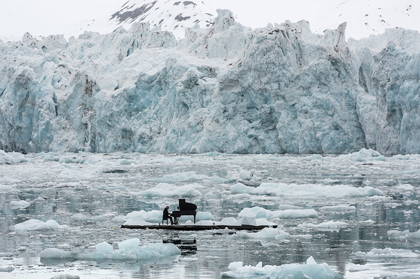 ludovico-einaudi-performs-in-the-arctic-ocean-greenpeace-designboom-04